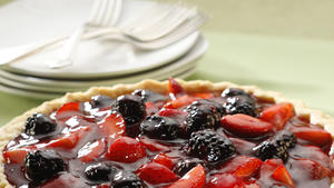 Boysenberry-strawberry glazed pie