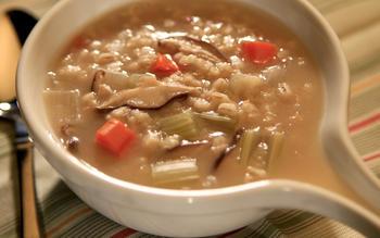 Junior's mushroom barley soup