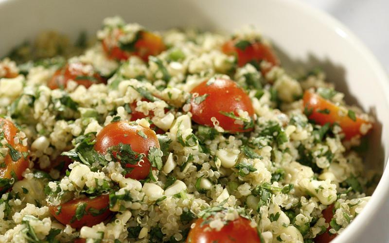 Recipe: Quinoa salad with grilled corn, tomatoes and cilantro ...