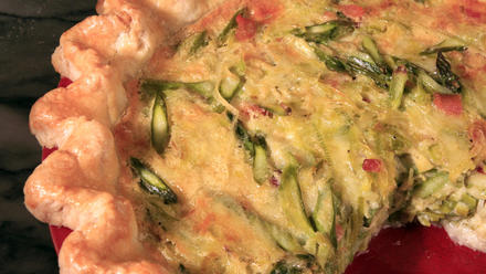 Quark tart with asparagus