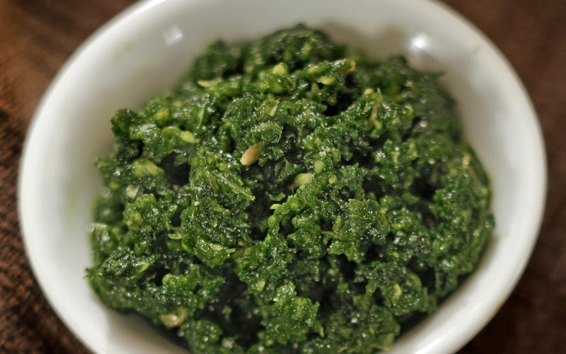 Zehug (chile-garlic relish)