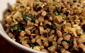 Black-eyed peas with leeks and chard