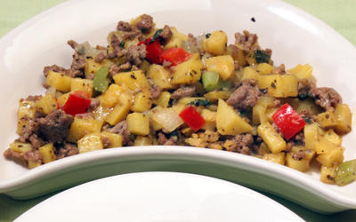 Potato Picadillo With Ground Meat (Picadillo de Papa con Carne Molida)