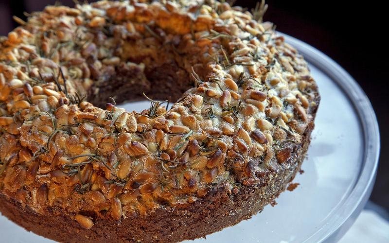 Dario's olive oil cake