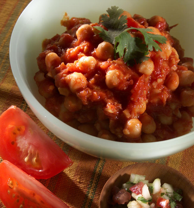 Spicy garbanzo beans and tomatoes