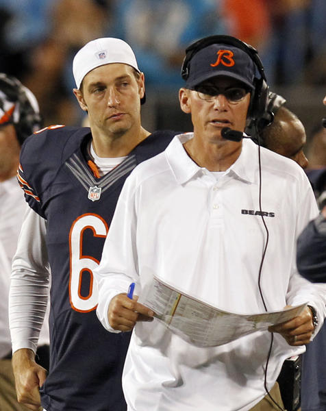 Chicago Bears head coach Marc Trestman and Jay Cutler on the sideline in the second half Friday.