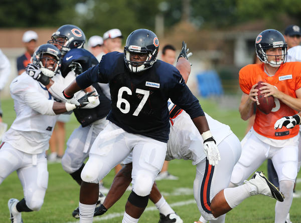 Bears offensive tackle Jordan Mills (67) takes first-team reps on Sunday.