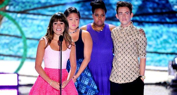 "Actors Lea Michele, Jenna Ushkowitz, Amber Riley and Kevin McHale accept Choice TV Show: Comedy award for ""Glee"" onstage."