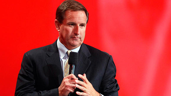 Oracle co-president Mark Hurd speaks to the audience at Oracle Open World in San Francisco in this 2010 file photo. Hewlett-Packard Co and former Chief Executive Hurd won the dismissal of a lawsuit challenging the computer maker's public commitment to ethics while Hurd was allegedly secretly engaging in sexual harassment, leading to his resignation.