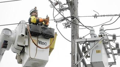 Power grid increasingly vulnerable to severe weather, report says