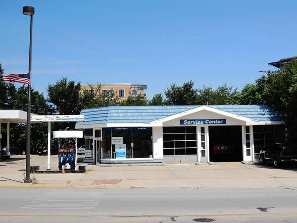 A bank may go into a former gas station at York Street and Palmer Drive in Elmhurst.