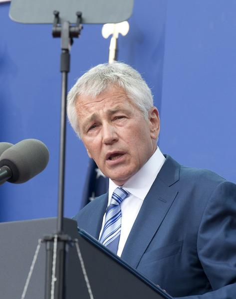 Secretary of Defense Chuck Hagel wrote a memorandum on Tuesday ordering military benefits to be granted to married same-sex couples by September 3.