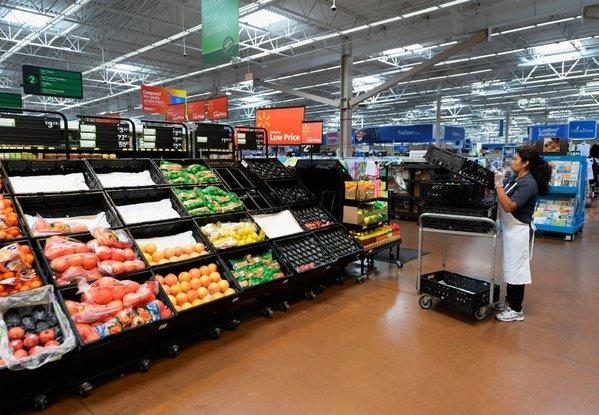 Wal-Mart is one of the major retail chains to post disappointing earnings for the most recent quarter. Its results were helping to drag stocks down on Thursday.