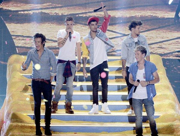 "British boy band One Direction, shown during the Teen Choice Awards recently in Los Angeles, has been supported by the Who's Pete Townshend in a debate over similarities between its hit ""Best Song Ever"" and the Who's ""Baba O'Riley."""