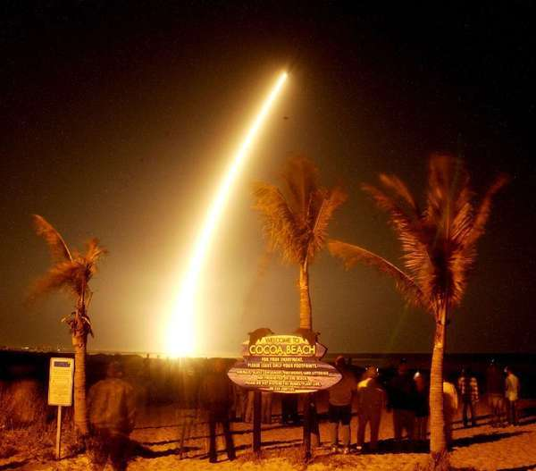 The launch of the Kepler space telescope, in Florida, in 2009. NASA officials said Thursday that it was ending efforts to restore the planet-hunting craft to full function.