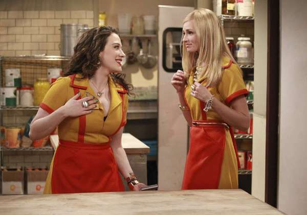 """Verizon FiOS is making a play for CBS staffers who can't see shows such as """"2 Broke Girls"""" because of the Time Warner Cable blackout."""
