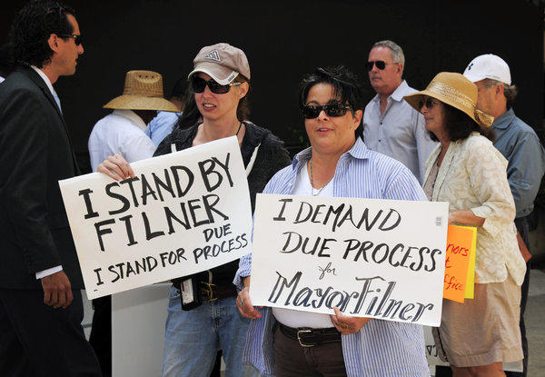Supporters of San Diego Mayor Bob Filner rally outside City Hall. Filner was in mediation Monday over a sexual harassment lawsuit.