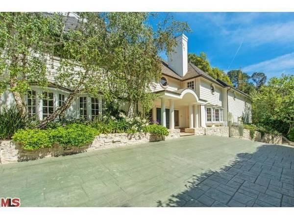 Breckin Meyer and Deborah Kaplan have sold their five-bedroom home in the 90210 ZIP code.