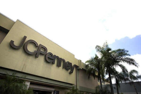 J.C. Penney earnings continue to disappoint.