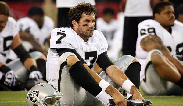 Former USC quarterback Matt Leinart is a man without a team after the Oakland Raiders elected not to re-sign him after last season.