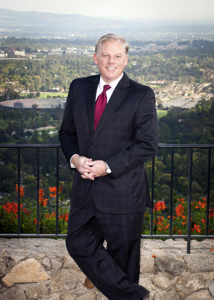 Michael O'Callaghan, a La Canada Flintridge lawyer, died on Aug. 12 in Pasadena after a battle with lung cancer.
