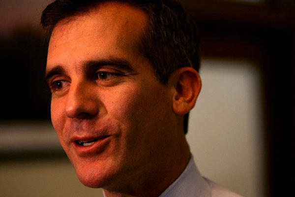 Los Angeles Mayor Eric Garcetti has agreed to terms of a new labor agreement for Department of Water and Power union workers.