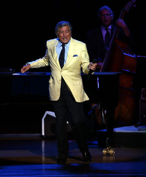 Tony Bennett performs at Ravinia Park in Highland Park.