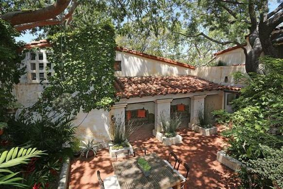 """""""Dexter"""" star Michael C. Hall has sold the third-acre property for $2 million."""