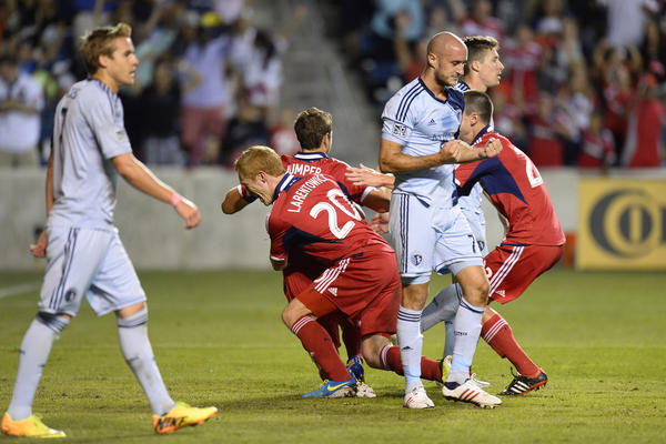 Hunter Jumper scores a goal against the Sporting KC at Toyota Park.