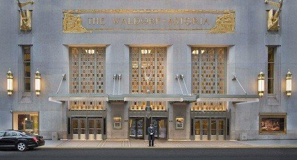 Tour participants start with a night at the Waldorf Astoria New York. The Art Deco-style New York City landmark takes up an entire block.