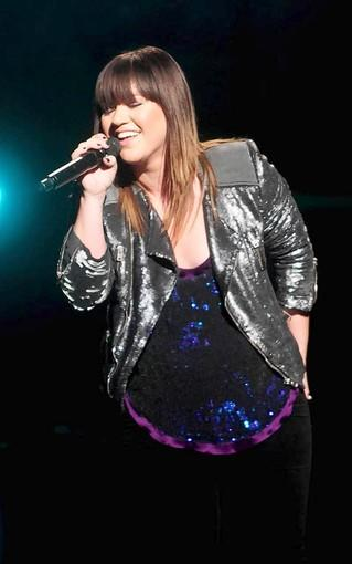 Kelly Clarkson plays with Maroon 5 at Comcast Saturday, Aug. 31.