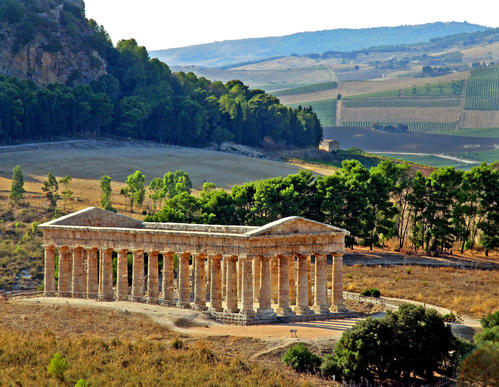 The temple at Segesta, thought to date from the 5th century BC, was built by the ancient Elymians, whose langu