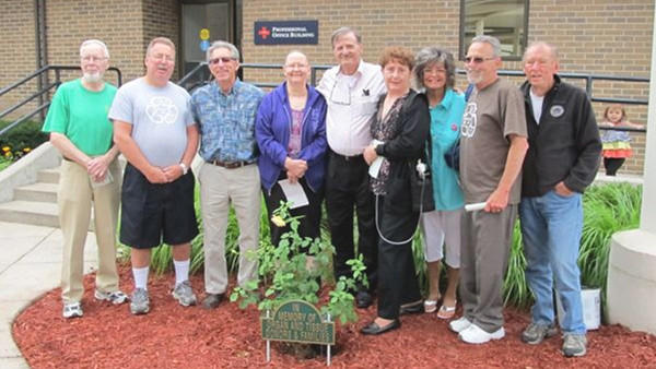 Organ recipients who took part in the Rose Bush ceremony at Spectrum Health Big Rapids Hospital included (l-r) Jerry Allen, Lewiston, donor family; Patrick Oliver, Gaylord, whose wife Linda received a kidney; Jerry Coger, Gaylord, liver and heart; Trish Bowra, Pellston, double lung; Fernando Sauro, Gaylord, liver; Brenda Schafer, Gaylord, waiting for lungs; Bev Cherwinski, Vanderbilt, single lung; Larry Lalonde, Newberry, waiting for lungs; and Donald Grant, Big Rapids, kidney.