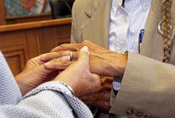 Longtime lesbian couple weds in New Mexico