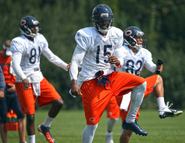 Chicago Bears wide receiver Brandon Marshall warms up before a recent practice.
