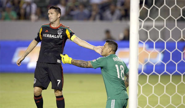 Galaxy forward Robbie Keane and goalkeeper Jaime Penedo have been called up by their respective national teams for World Cup qualifiers next month.