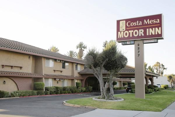 An investigation conducted earlier this month shows that the Costa Mesa Motor Inn had 490 alleged health and safety violations involving nearly 90% of its rooms.