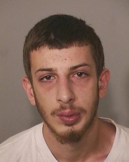 Robert Stevenson fue acusado de conduccin temeraria, imprudencia temeraria y operacin de un vehculo de motor por un menor con un contenido de alcohol elevado en la sangre.