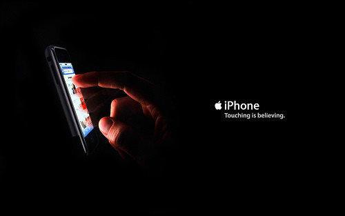http://www.trbimg.com/img-521f918c/turbine/la-fi-tn-how-steve-jobs-and-apple-turned-techn-001/500