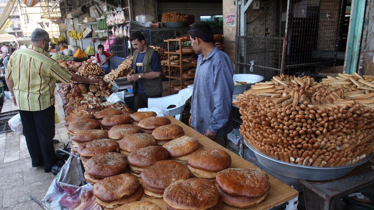 Vendors in Aleppo