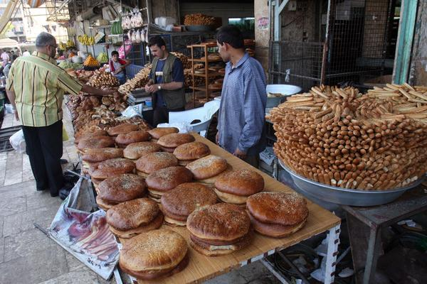Syria before civil war broke out - Vendors in Aleppo