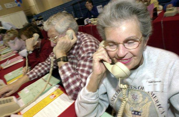 Bubbles Berman and her husband, Len, call people for a Jewish Federation fundraising drive in 2002 in West Hills.
