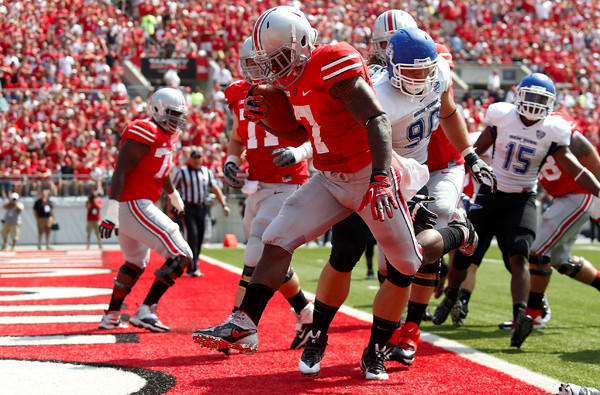 Ohio State receiver Jordan Hall gets into the end zone against Buffalo for a two-point conversion in the first quarter Saturday.