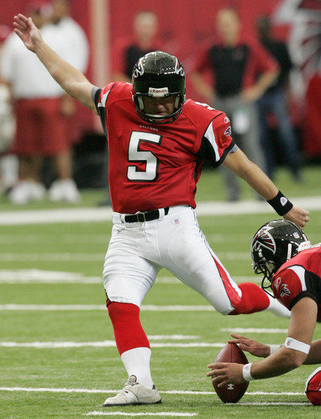 Atlanta Falcons kicker Morten Anderson kicks a field goal in 2006. The longtime placekicker is one of 64 kickers and punters to file workers' comp claims in California alleging head or brain trauma. (AP Photo/Ric Feld)