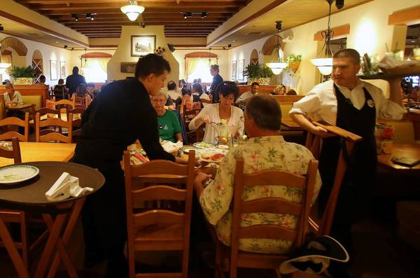 The Olive Garden is among some restaurants eliminating an automatic gratuity.