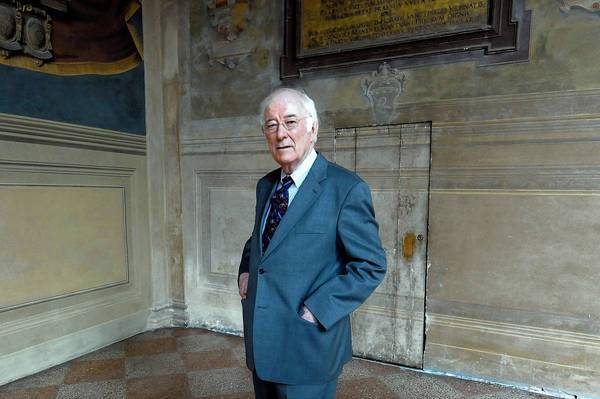 Irish poet Seamus Heaney, who died Friday, won the 1995 Nobel Prize for Literature.