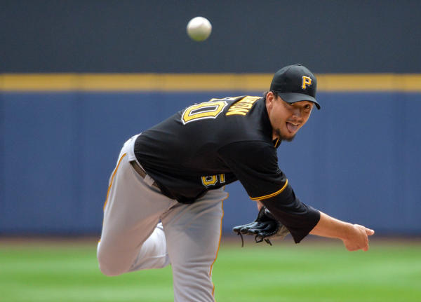 Pittsburgh Pirates pitcher Charlie Morton pitches in the first inning against the Milwaukee Brewers at Miller Park.