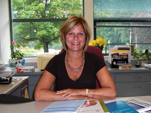 Betsy Adamowski will replace Sarah Meisels as Wheaton Public Library director on Oct. 1.