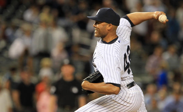 Yankees relief pitcher Mariano Rivera pitches the ninth inning against the Chicago White Sox at Yankee Stadium on Tuesday.