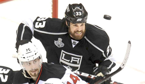 Kings defenseman Willie Mitchell, who missed all of last season because of knee problems, is expected to be ready to play when the team opens training camp next week.